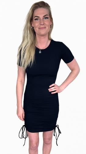 Rib jurk Mikki Zwart