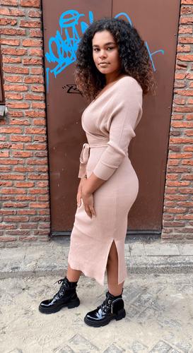 V-hals split jurk Sofia taupe