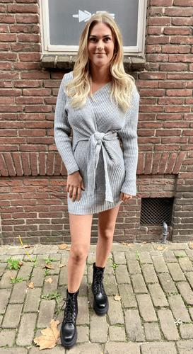 Strik jurk Yasmin Lichtgrijs